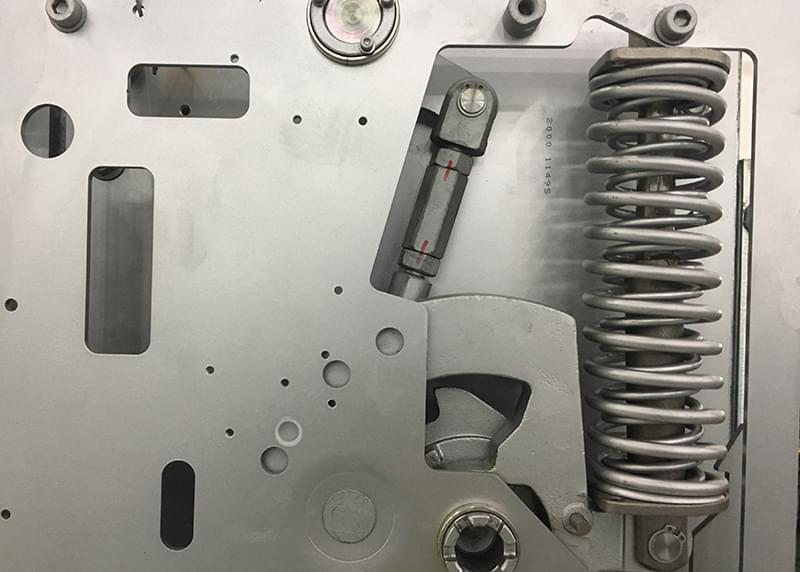 如何从根源上提高开关柜操作机构的耐腐蚀特性,请看......
